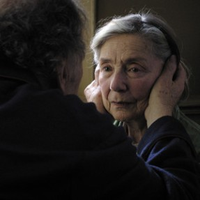 Emanuelle Riva, Amour