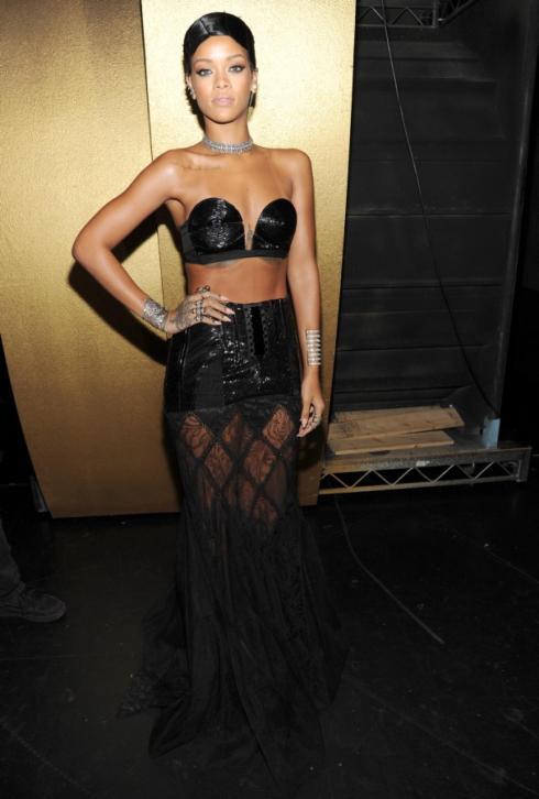 AMAs2013-Rihanna