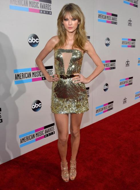 AMAs2013-Taylor-Swift