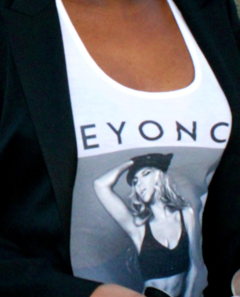 Beyonce-Mrs-Carter-Tour-Tank-2